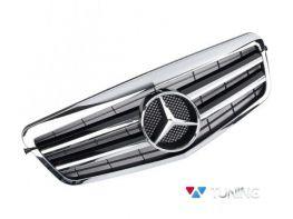 Решётка MERCEDES E W212 (09-13) - CL стиль хром чёрная