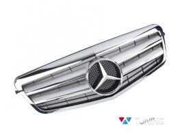 Решётка MERCEDES E W212 (09-13) - CL стиль хром серебряная