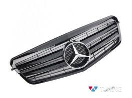 Решётка MERCEDES E W212 (09-13) - CL стиль чёрная глянцевая