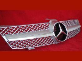 Решётка MERCEDES CLS W219 (04-08) - AMG стиль (серебряная)