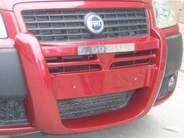 Накладка передняя FIAT Doblo I (06-09) центральная
