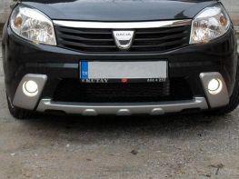 Накладка на передний бампер + туманки DACIA (RENAULT) Sandero (08-12)
