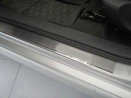Хром накладки на пороги TOYOTA Auris I (2006-2012)