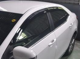 Ветровики TOYOTA Corolla XI (13-18) Sedan - Hic (накладные)