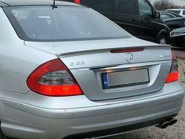 Лип спойлер багажника MERCEDES E W211 Sedan - AMG стиль