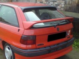 Спойлер багажника нижний OPEL Astra F (91-) Hatchback