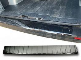 Накладка на задний бампер RENAULT Trafic III (14-) - чёрная