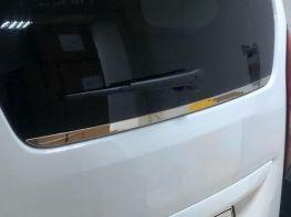 Хром кромка заднего стекла PEUGEOT Rifter (18-)