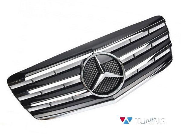 Решётка MERCEDES E W211 рестайлинг - CL стиль с хром полосками 1
