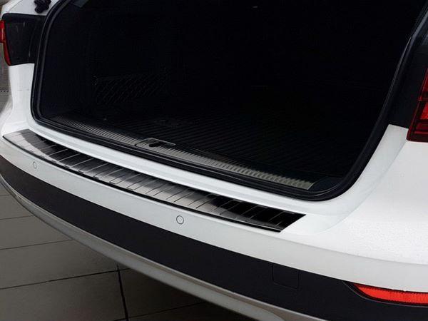 Чёрная накладка на задний бампер AUDI A4 B9 Allroad