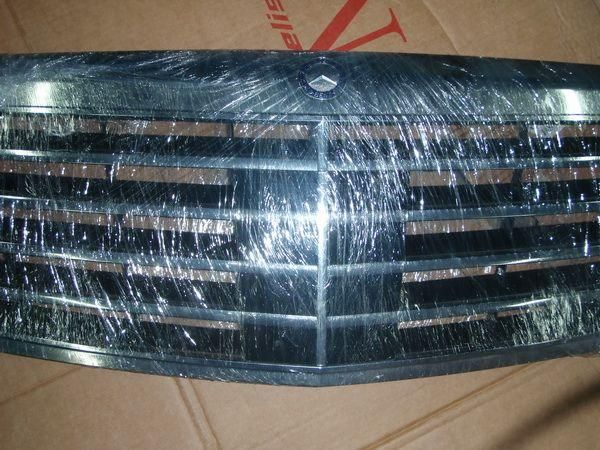 A22188006839040-Решётка радиатора оригинальная MERCEDES S W221 S600/S65 AMG