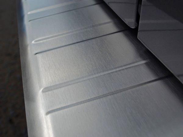 Хром накладка на задний бампер RENAULT Trafic III (2014+) - OMSA - фото #2