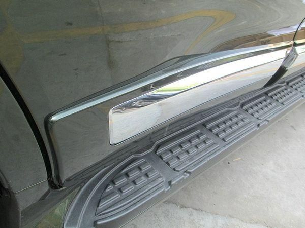 Молдинги на двери TOYOTA Land Cruiser 200 (2007-)