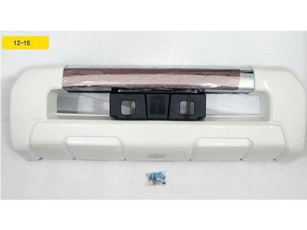Накладка на передний бампер TOYOTA LC J200 (12-15)