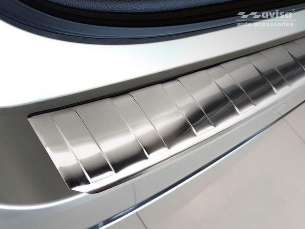 Накладка на задний бампер TOYOTA Corolla XII Combi 3