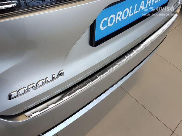 Накладка на задний бампер TOYOTA Corolla XII Combi 4