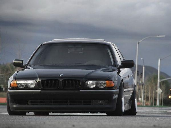 Решётка радиатора BMW E38 (94-98) ЧЁРНАЯ
