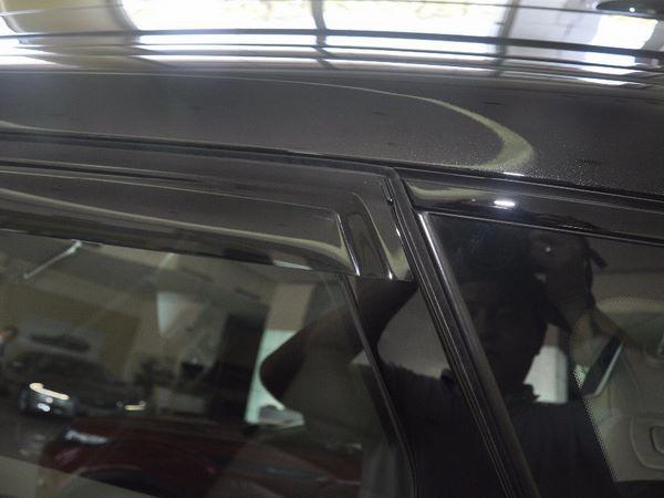 Ветровики Range Rover Evoque 5D - HIC (дефлекторы окон) 4