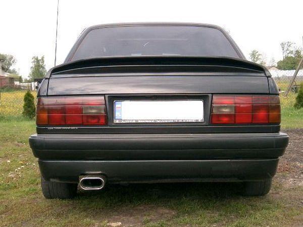 Накладка бампера задняя BMW 3 E30 (1986-1994) один выхлоп