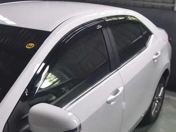 Ветровики TOYOTA Corolla XI (2013+) Sedan - Hic 1