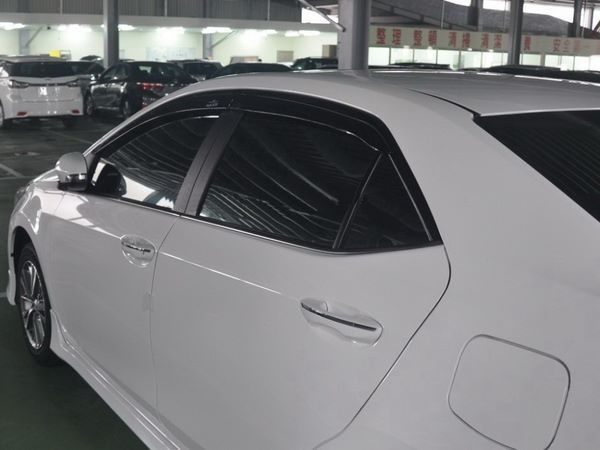 Ветровики TOYOTA Corolla XI (2013+) Sedan - Hic 2
