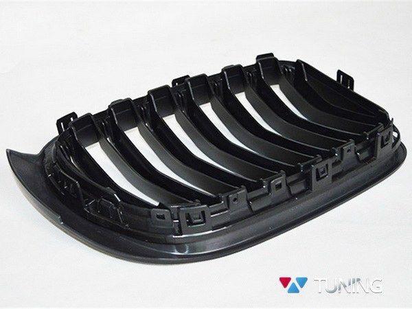 Решётка радиатора BMW X3 F25 / X4 F26 (14-16) M стиль матовая - вид сзади