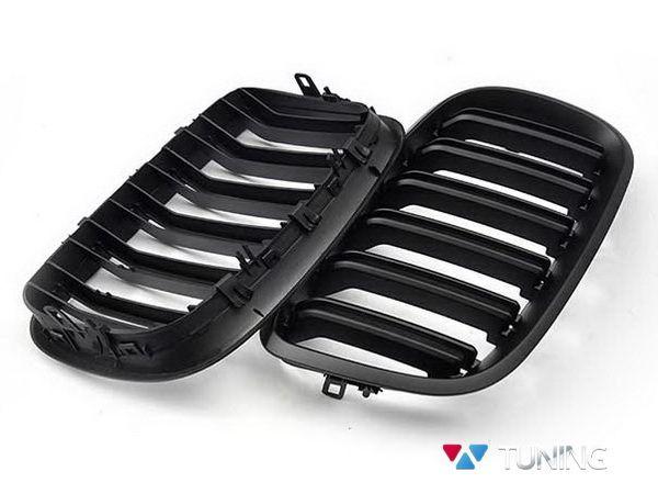 Решётка радиатора BMW X5 E70 / X6 E71 - М стиль чёрная матовая - вид сзади