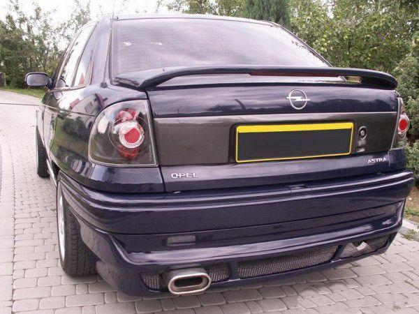 Спойлер багажника низкий OPEL Astra F (91-) Sedan