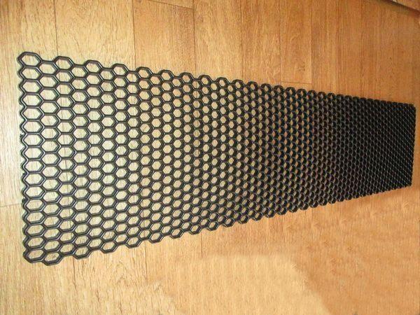 Сетка пластиковая чёрная универсальная для тюнинга - фото #4