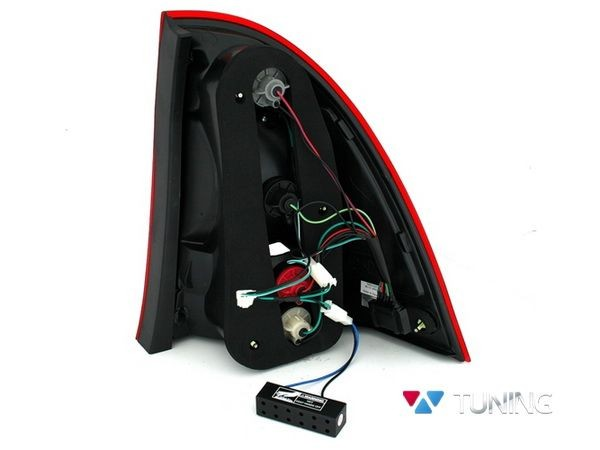 Фонари задние MERCEDES W203 Combi - красные диодные - вид сзади