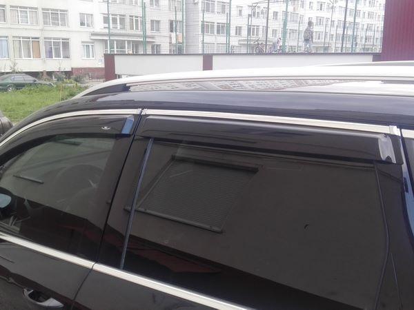 Ветровики VW Touareg II (2010+) - дефлекторы окон с хром молдингом 3