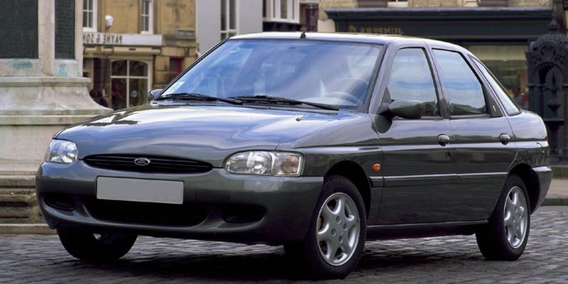 FORD Escort VI (1995-2001) 5D Hatchback
