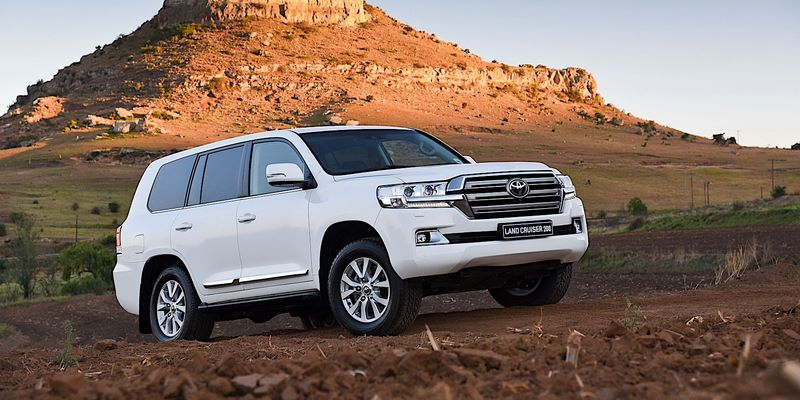 TOYOTA Land Cruiser J200 / V8 (2015-) рестайлинг